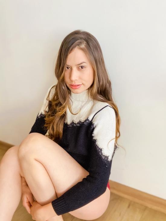 Blogger   Ivanna  Luna  - Influencer.