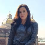 Blogger  Mayliss Neira - Youtuber y estudiante