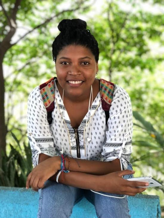 Blogger Indira Valencia - student