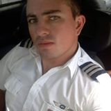 Blogger Jonathan Larenas - Empresario